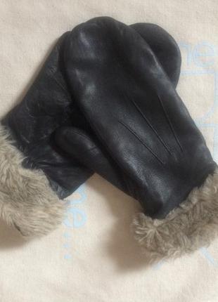 Кожанные варежки рукавиці  на флисе