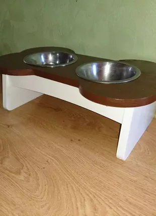 Подставка столик для собачки, кота
