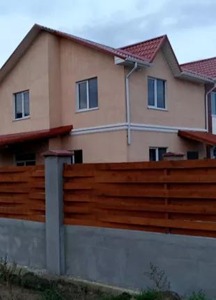 Двухэтажный дом в поселке Мизикевича