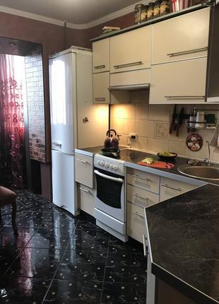 3 комнатная квартира на Бочарова/Днепродорога