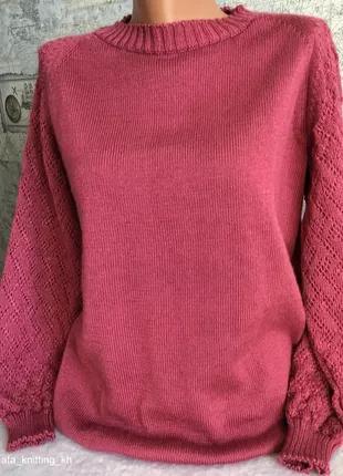 Удлиненный шерстяной свитер-реглан с ажурными рукавами