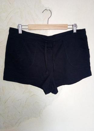 Черные трикотажные короткие  шорты на резинке с  завязкой на п...