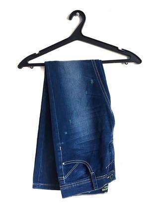 • Женские джинсы