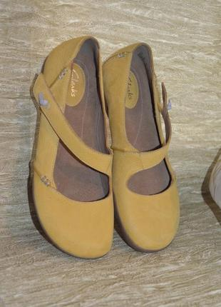 Стильные качественные туфли clarks 5,5 d размер