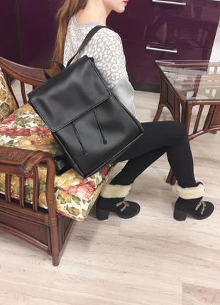Черный большой рюкзак кожа
