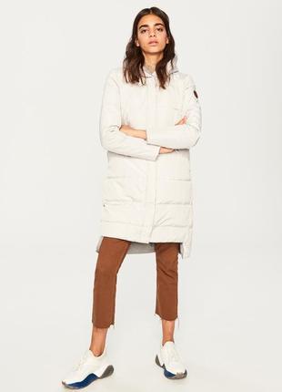 Продам новый женский теплый пуховик куртка с капюшоном reserved