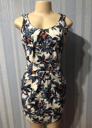 Шикарное женское короткое платье в цветочный принт размер s