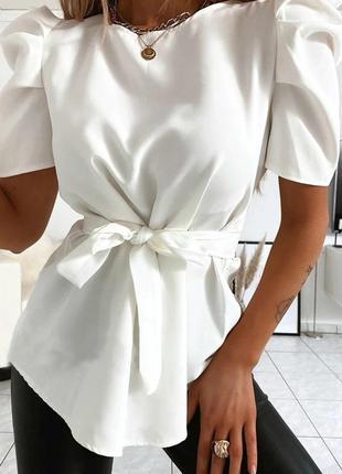 Стильная блуза с короткими рукавами фонарик