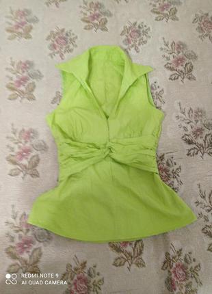 Салатовая блузка из натуральной хлопковой ткани