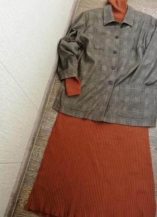 Полушерстяной жакет,пиджак блейзер ровной модели,в клетку