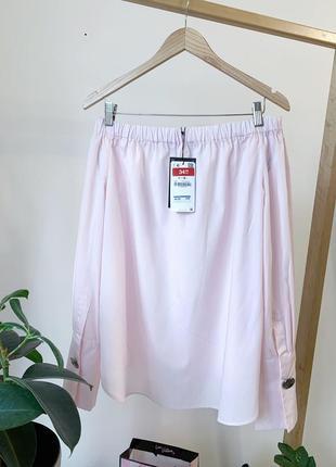 Розовая пудровая блузка на плечи