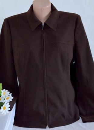 Брендовая темно-коричневая куртка жакет на молнии с карманами ...