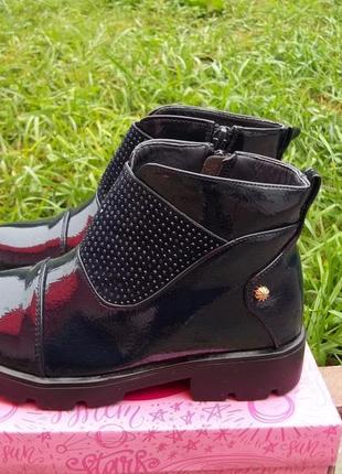 ( 32 р - стелька 21 см) ботинки для девочки новые