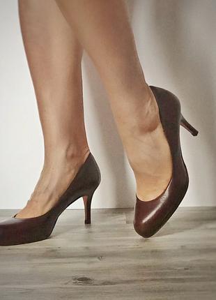 Туфли женские L.K.Bennett на каблуке 7 см.