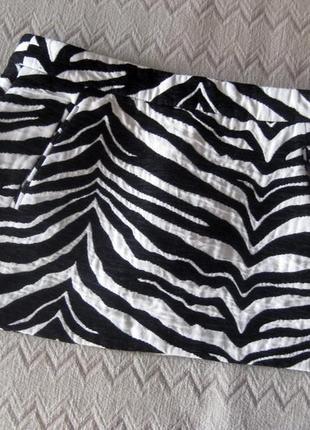 Юбка мини zara короткая зебра полоска чёрная белая тёплая толс...
