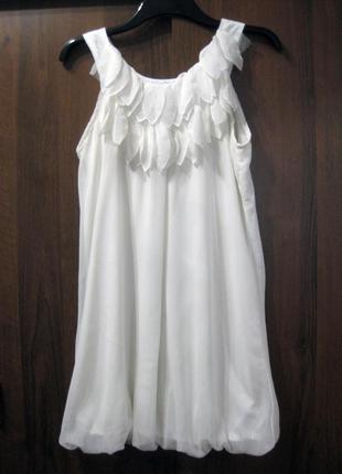 Платье ax paris туника белое декор лепестки