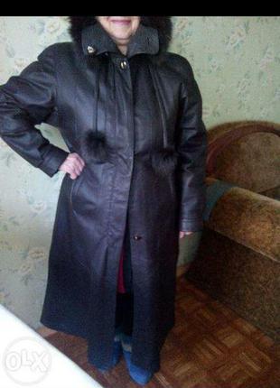 Женское кожаное пальто. утепленный тренч. теплое кожаное пальто.