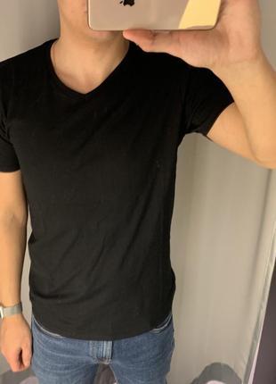 Базовая чёрная футболка fishbone есть размеры