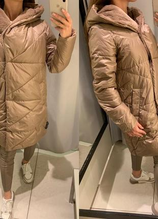 Коричневое пальто с меховым капюшоном куртка reserved есть раз...