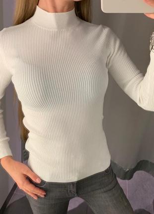 Белый гольф в рубчик водолазка свитер amisu есть размеры