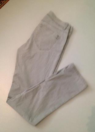 Серенькие джинсы.102
