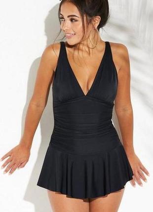 Элегантный черный купальник-утяжка с юбочкой