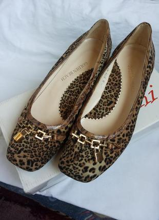 Леопардовые бархатные туфли/балетки на маленьком/низком каблучке