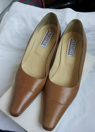 Кожаные туфли лодочки на низком/невысоком каблуке
