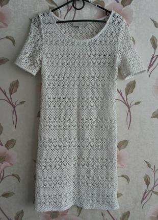 Белое ажурное летнее платье