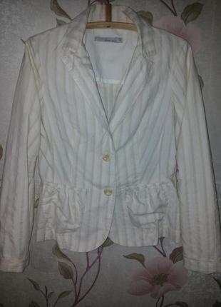 Молочный легкий пиджак с бежевыми полосками с-м