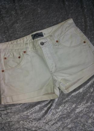 Белые джинсовые шорты(плотный джинс)