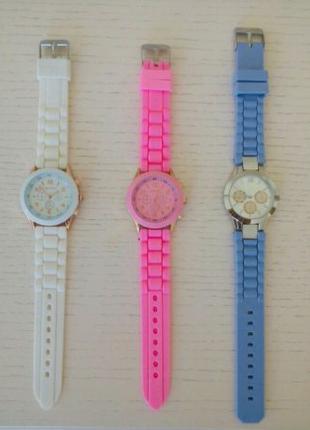 Часы женские (3 цвета)