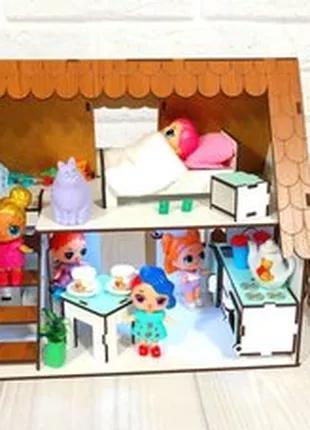 Кукольный домик с мебелью, текстилем и светом.