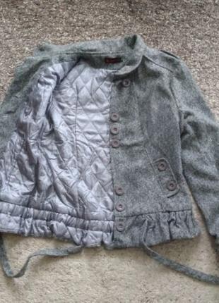 Серое осеннее пальто. Размер 44 / S