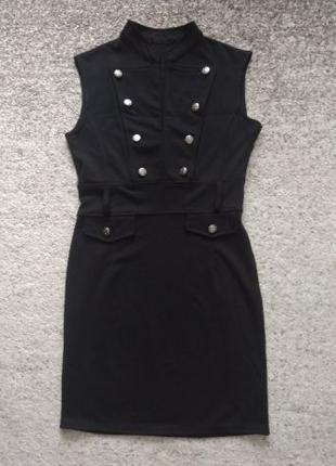 Женское теплое осеннее платье без рукавов черного цвета