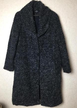Классное мягусенькое буклированное пальто оверсайз от c&a