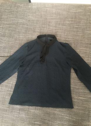 Шифоновая блузка  в горошек в отличном состоянии!