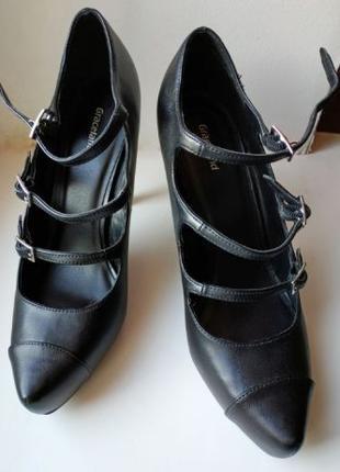 Женские туфли – 40 р. с ремешками на платформе Graceland