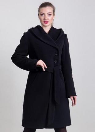 Женское теплое пальто с капюшоном