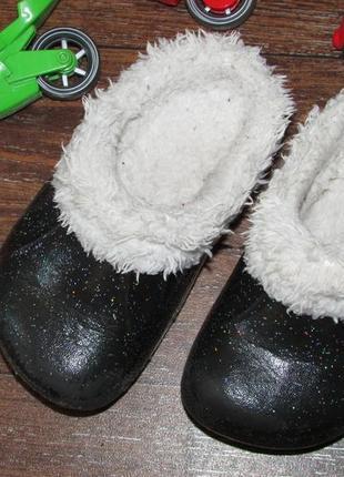 Детские теплые тапочки 23 р-ра с мехом для самых маленьких.
