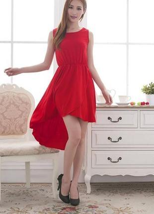 Красивое платье сзади длиннее