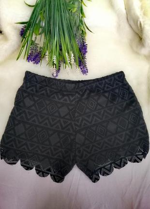 Короткие сексуальные ажурные шорты чёрные на резинке