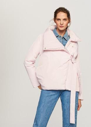 Продам новую тёплую коротенькую курточку без капюшона