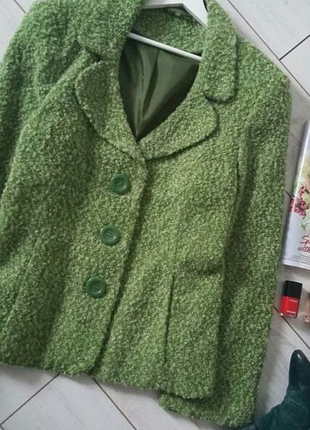 Элегантный пиджак букле ,в составе шерсть,изумительный цвет..# 49