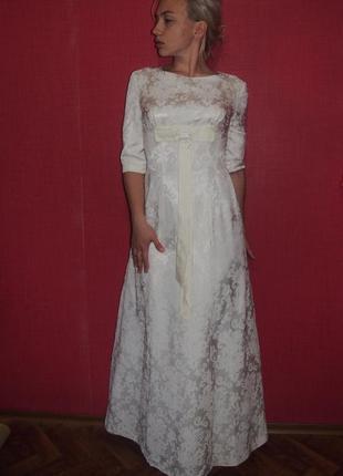 Скромно и со вкусом свадебное платье цвета айвори в винтажном ...