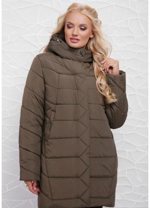 Модная женская куртка в больших размерах