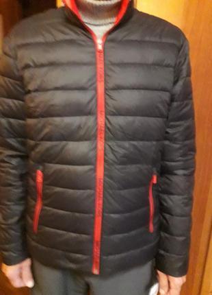 Мужская куртка черного цвета
