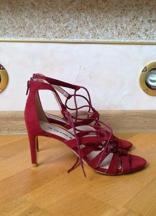 Бордовые босоножки на среднем каблуке размер 38. обнова! смотр...