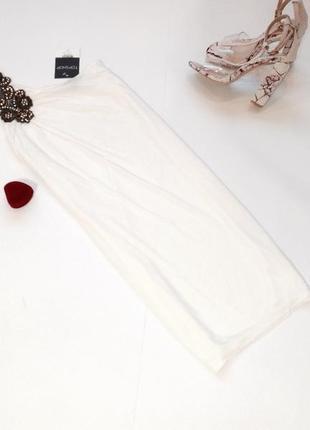 Длинная белая футболка туника на одно плечо