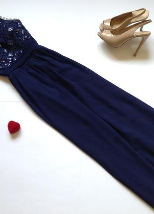 Темно-синее красивое нарядное длинное вечернее платье макси в пол
